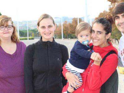 Foto de diferentes generaciones de una familia de Down Madrid