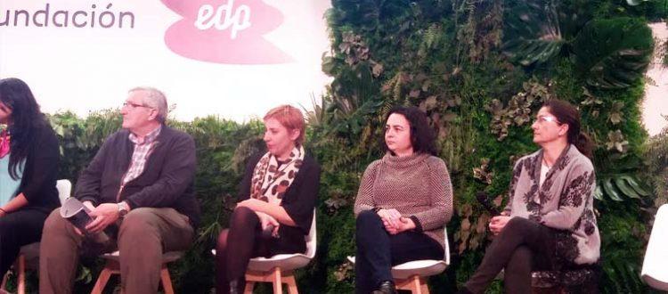 Elena Escalona recogiendo el Premio EDP Soldiaria